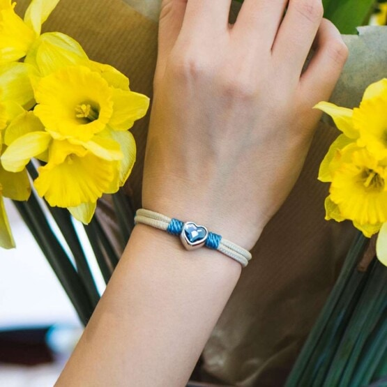 Женский браслет бежевого цвета с камнем Swarovski — № 7070