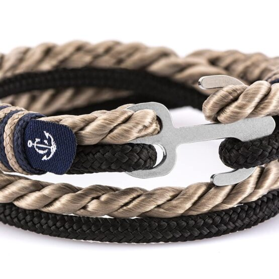 Двойной бежевый и чёрный браслет с якорем — № 9029