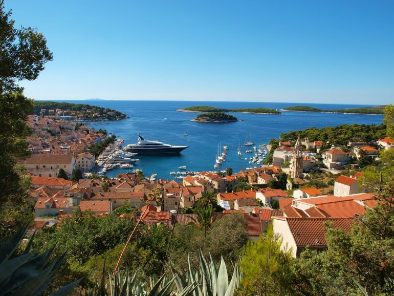 10 винных регионов в Европе, чтобы исследовать на яхте