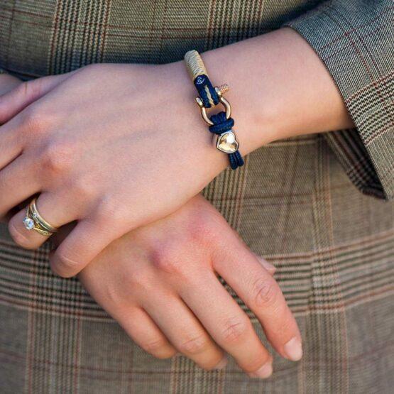Синий женский браслет с камнем Сваровски кремового цвета — № 7182 фото 6