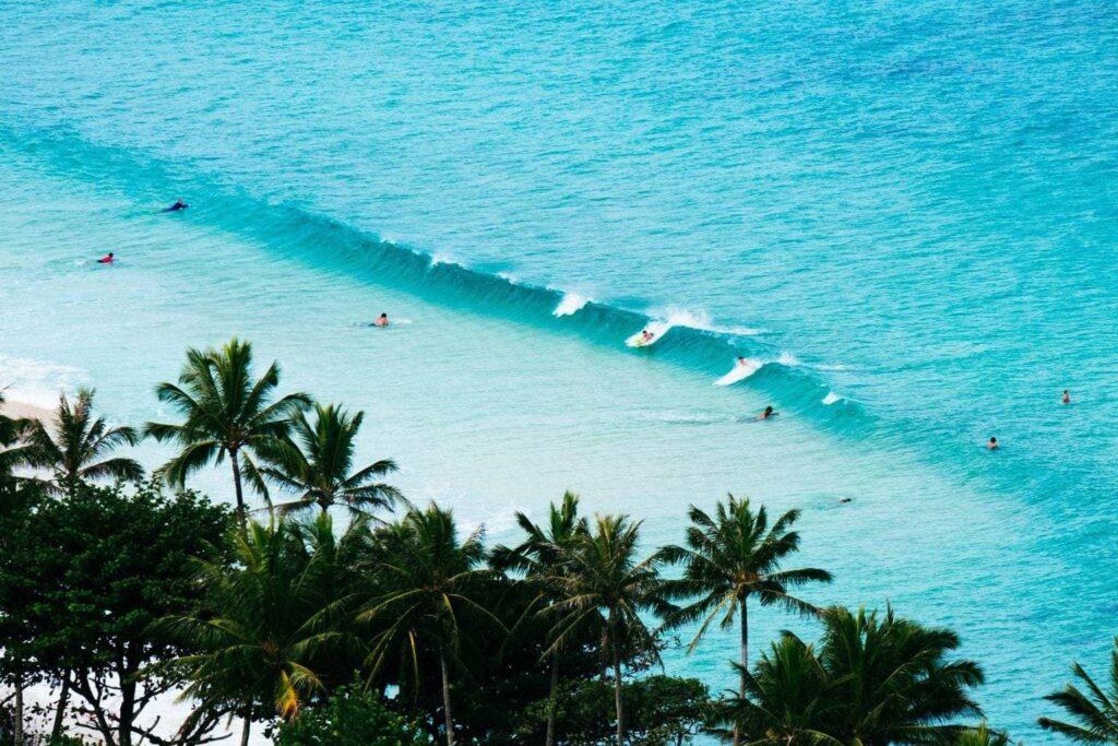10 лучших мест для обучения сёрфингу