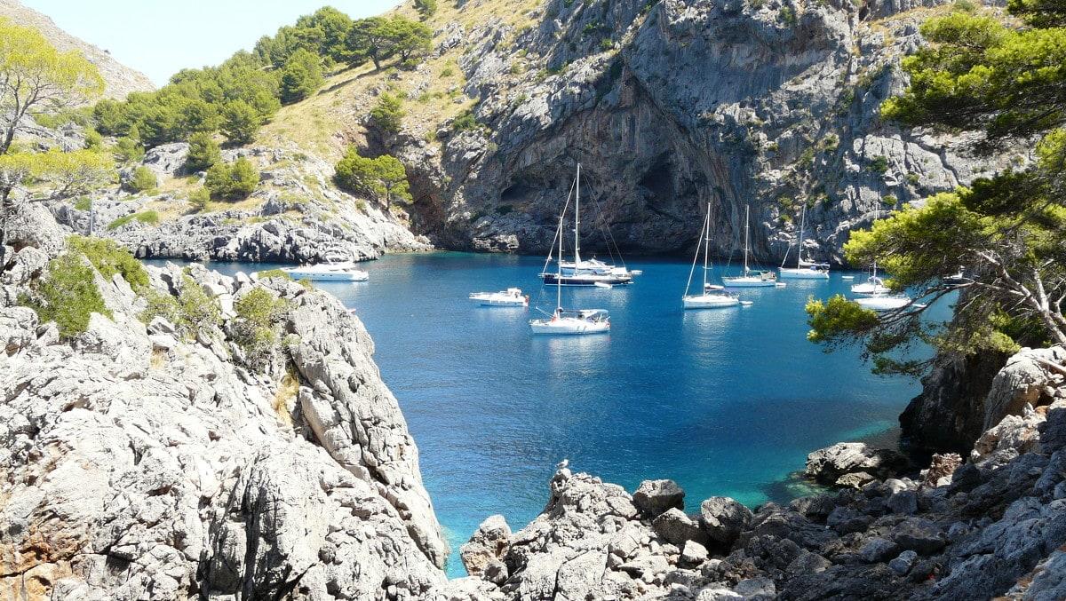 4 необычных испанских пляжа