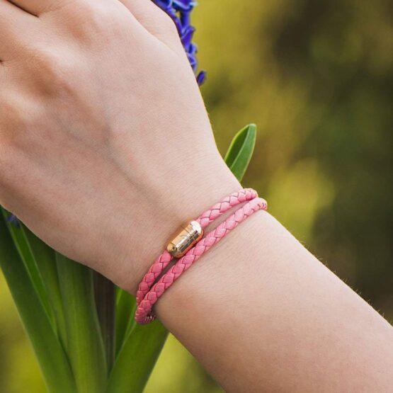 Двойной кожаный браслет для женщин розового цвета с магнитом № 10040 фото 7
