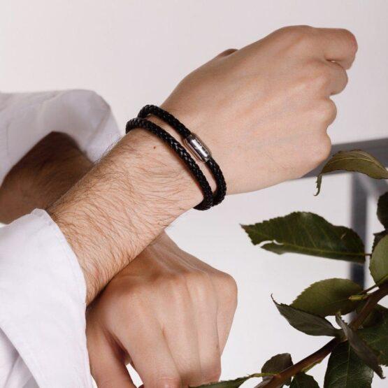 Чёрный мужской кожаный браслет на магнитной застёжке № 10048