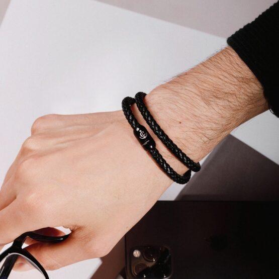 Мужской чёрный кожаный браслет с магнитной застёжкой № 10049