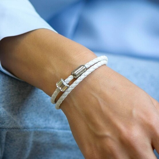 Белый кожаный браслет с камнем Swarovski —№ 7223 Белый кожаный браслет с камнем Swarovski —№ 7223 фото 5