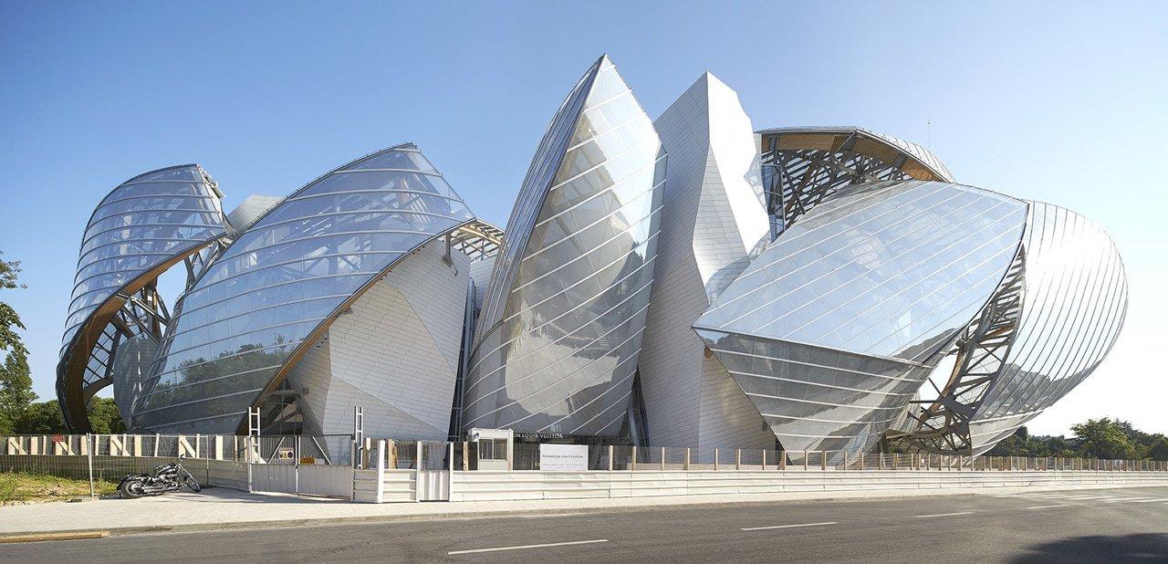 Необычные здания современной Парижской архитектуры