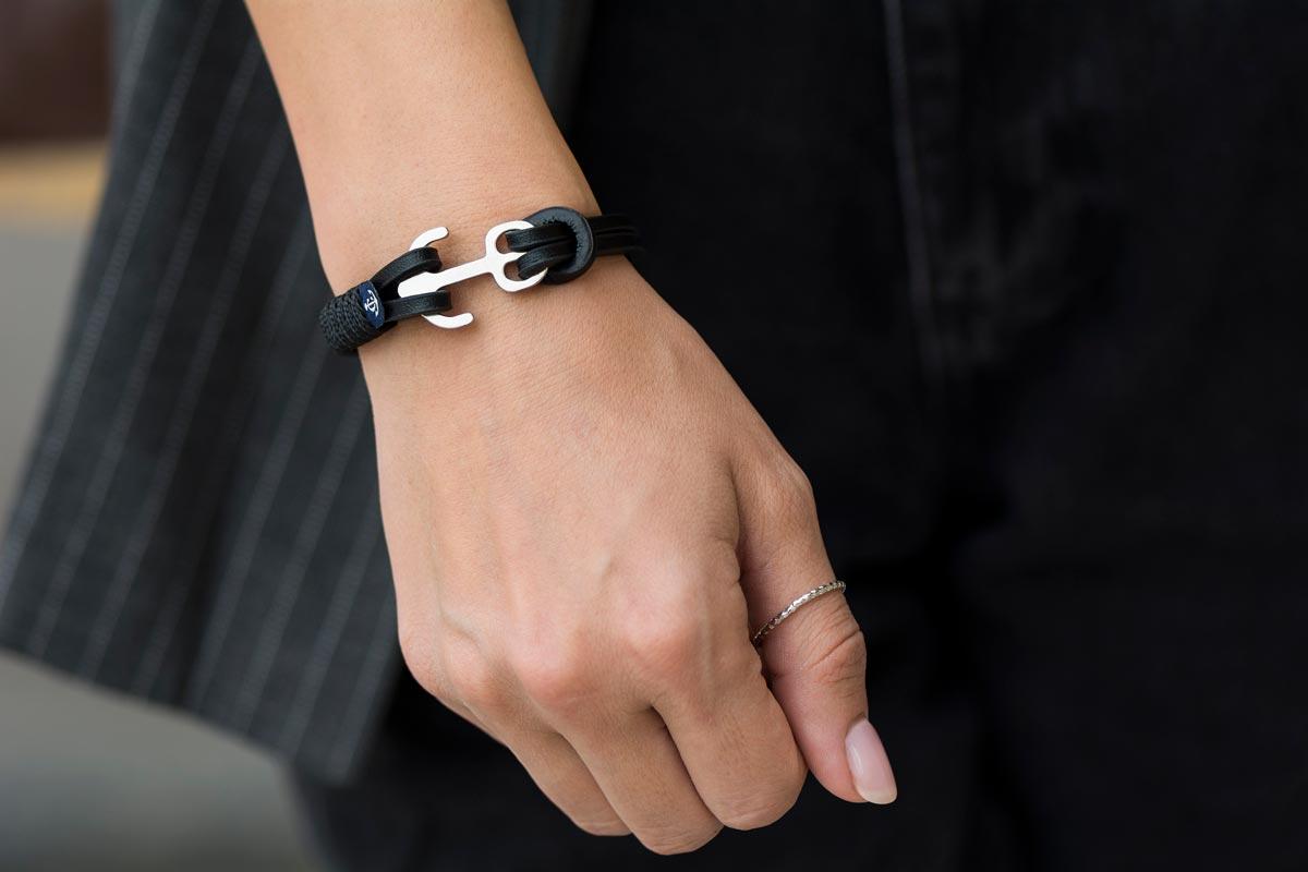 И в пир, и в мир: универсальные браслеты для любого образа