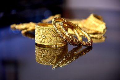 Золотые браслеты и серебряные браслеты