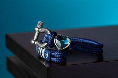 Браслет с камнем в виде сердца: выбираем подарок любимой
