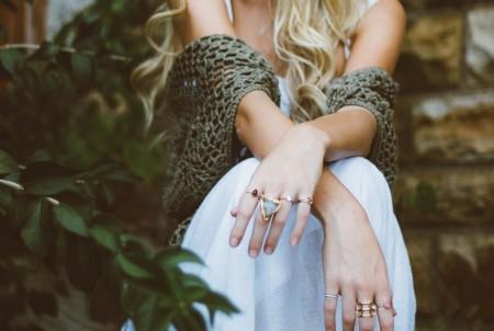Осенние украшения: с чем носить, как сочетать