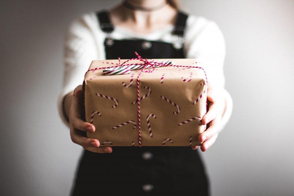 В тренде: топ 15 модных подарков на новый год для мужчин