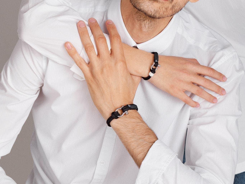 Какой браслет подарить любимому мужчине?