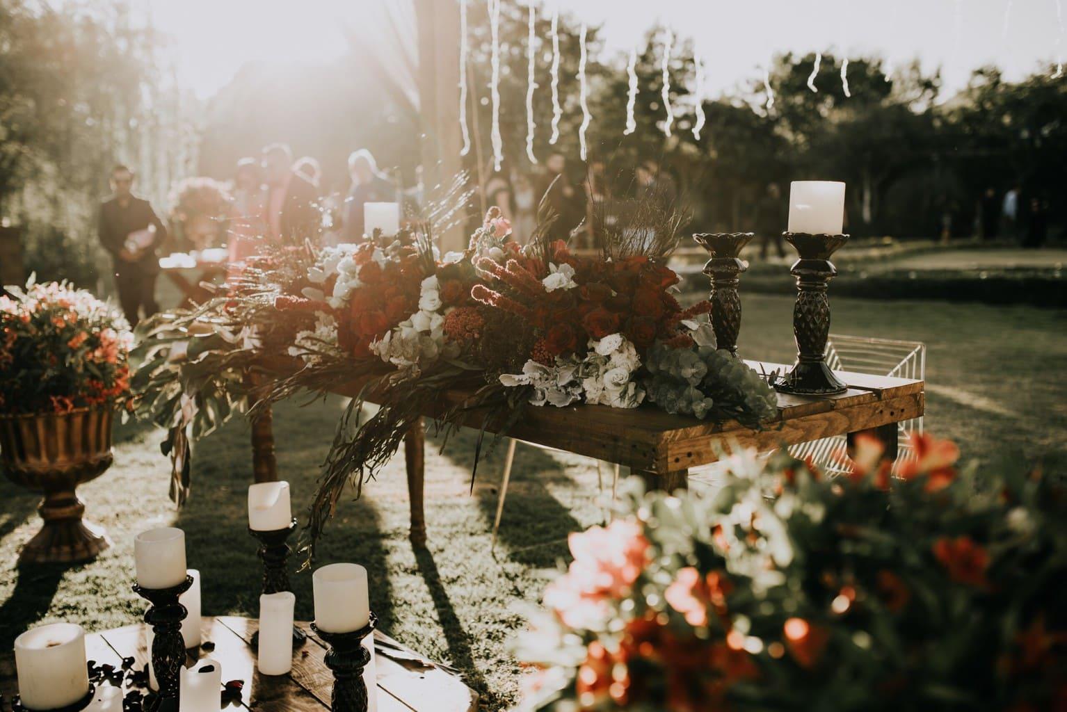 От ситцевой до бриллиантовой: какие украшения дарить на годовщину свадьбы?
