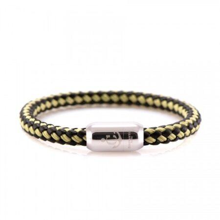 Кожаный браслет с нитью чёрно-бежевого цвета и магнитом — № 10501